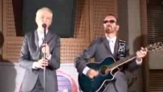 Eurythmics Here Comes The Rain Again Acoustic Live on RFM (French Radio Station) 2005