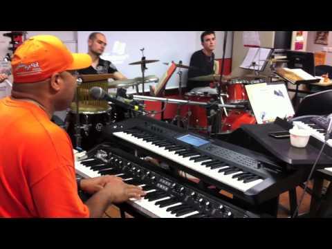 Frank McComb & CIV Soul Band 2013 :