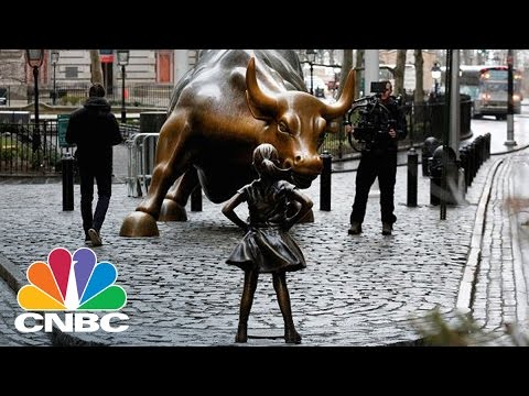 The Story Behind Wall Street's New Statue | CNBC