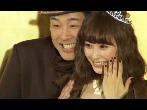 ピン芸人のあべこうじ(38)とタレントの高橋愛(27)が14日、あべの出身地でもある横浜市内の区役所に婚姻届を提出。晴れて夫婦となった。...
