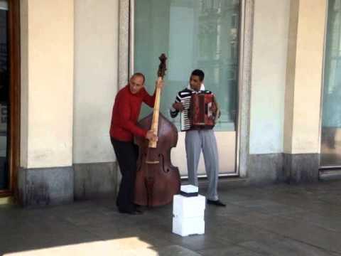 Street Music Turin Italia
