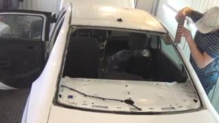 Самая частая проблема при вклейке стекла в битый автомобиль и её решение.