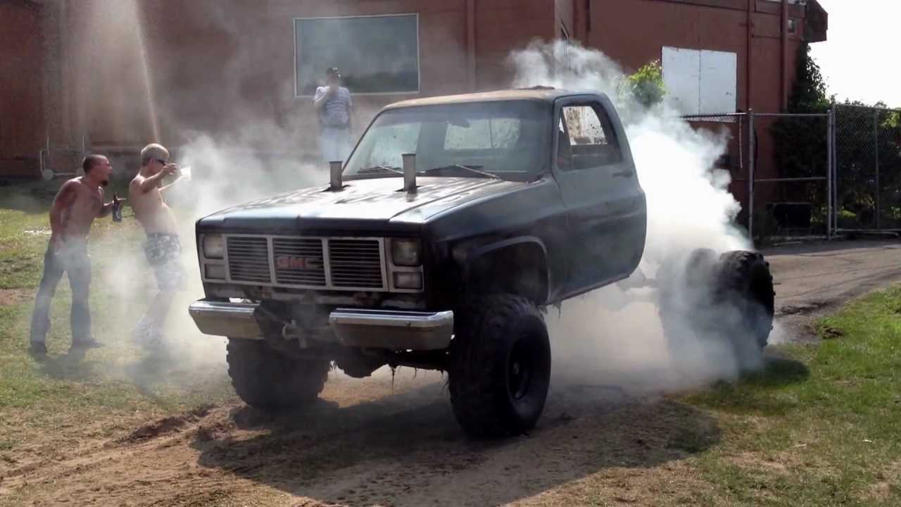1 ton gmc dually mud truck big burnout on tractor tires for Big tractor tires for free