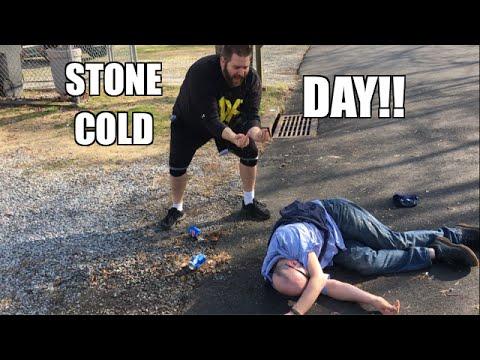 STONE COLD STUNNER TO IDIOT MAILMAN