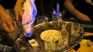 Приготовление горячего абсента (Прага)(Приготовление горячего абсента (Absinth Bar, Прага - http://goo.gl/GeBN7), 2012-08-13T17:49:58.000Z)