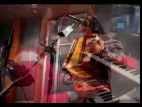 Julieta Venegas - Live on KCRW 2004