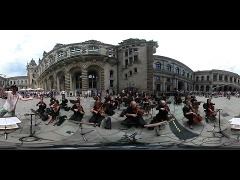 360°: Conduct us! Orchestra conducted by laymen (in 360° 4K VR).