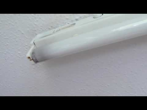 How to change a fluorescent tube (both types)