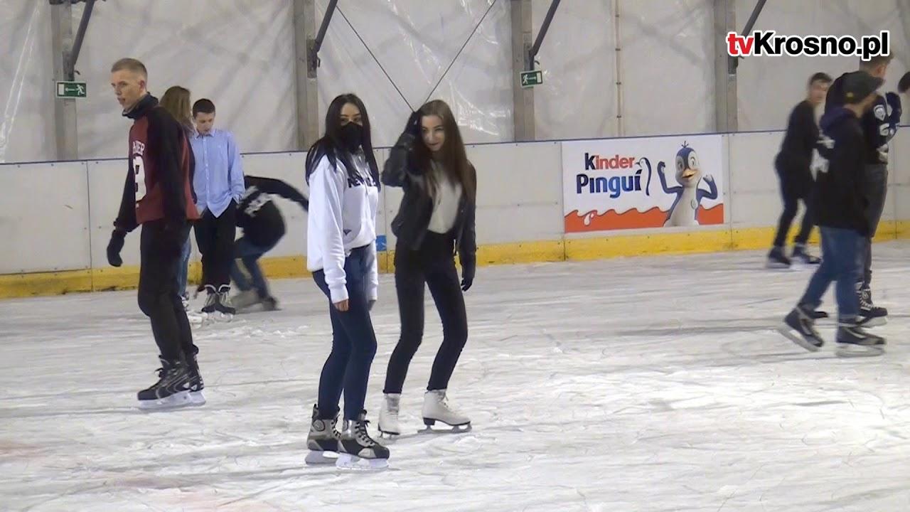KROSNO: Świetna zabawa podczas pierwszych godzin funkcjonowania zadaszonego lodowiska