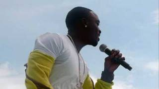 Akon - Troublemaker [Official Video]