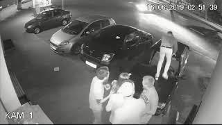В Самаре хулиган прыгал на крышах машин – видео