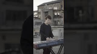 到哪都聽得到的SHAUN-way back home,到廢墟樓頂彈段鋼琴版送大家鋼琴版(Pianoboy高至豪_COVER)