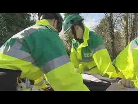 Extracting the patient from a road traffic accident (2/2)