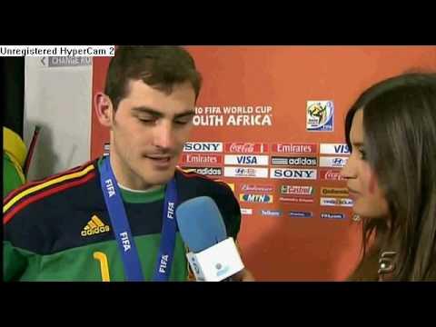 Iker Casillas Kissing Sara Carbonero !