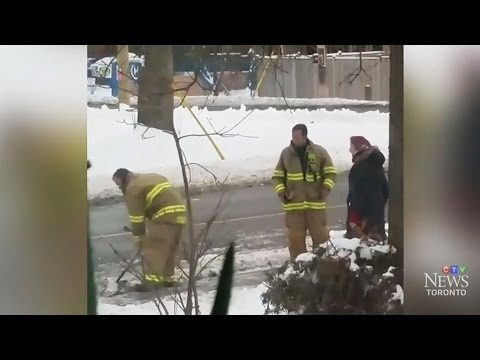 Wendy - Firefighters Shovel Mom's Driveway After Helping To Deliver Baby At Home