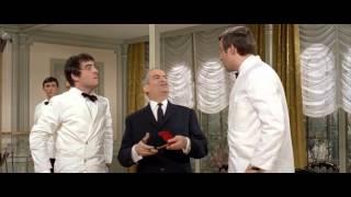 Louis de Funès : Le Grand Restaurant (1966) - Servir, c'est sourire