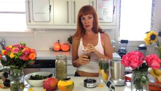 Raw Smoothie And A Salad | Dara Dubinet
