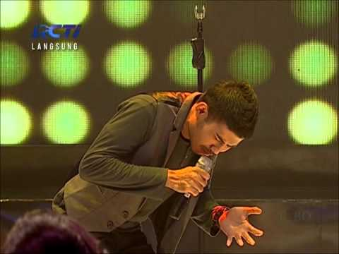Dion- Indonesian Idol 2012 - Sik Asik