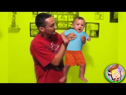 Funny Baby Dancing On Que (Mike)