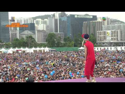 130701 Henry - Off my mind + Holiday + Trap(feat.Taemin) @ Hong Kong Dome Festival [1080p]