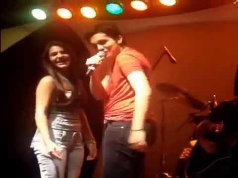 Luan Santana dança com Jade no Palco (Show antigo) - YouTube