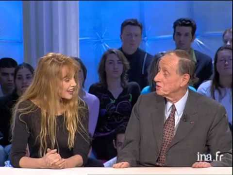 Interview Arielle Dombasle sur Sissi - Archive INA
