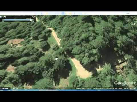 alien space craft found in Bohemian Grove as well as pyramid mound very poorly  cloaked