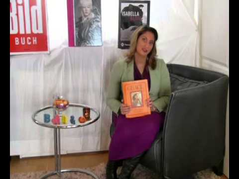 Grace Coddington a memoir book , Random House a book review on film  by Martina Rink