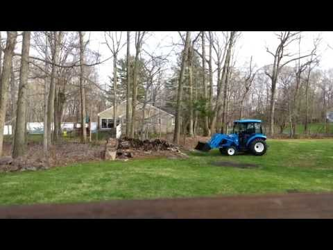 LS tractor XR3037 working