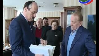Глава Дагестана вручил Александру Маслякову орден