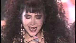 Ann Lewis singing Tenshi yo Kokyou wo Miyou live in 1988! I can't f...
