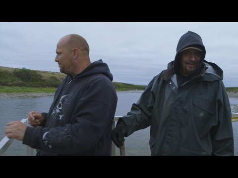 Will River Mining Yield Any Results For These Gold Divers? | Bering Sea Gold