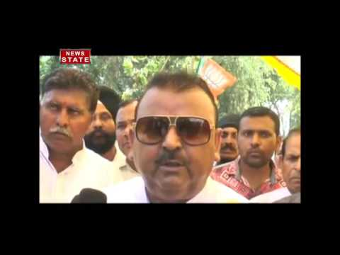 Viral Video of J&K Industry Minister Chandra Prakash Ganga on Stone Pelters