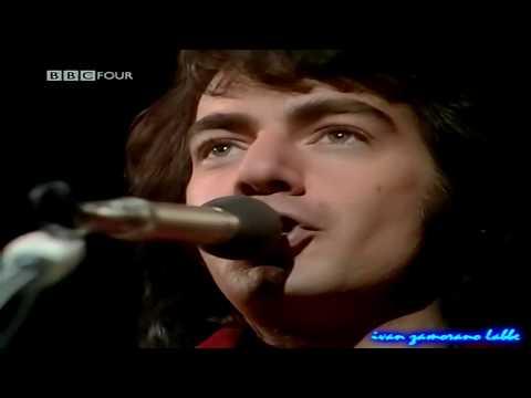 Neil Diamond - Sweet Caroline   (release 1969)