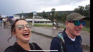 خرجنا نفوجو ودزت من العذاب 😥😥 مع ذالك هستريا ضحك مع زوجي وهو يتكلم العربي 😂 نهار معنا في الباخرة