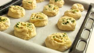Булочки из дрожжевого теста с сыром  VIKKAvideo-Простые рецепты