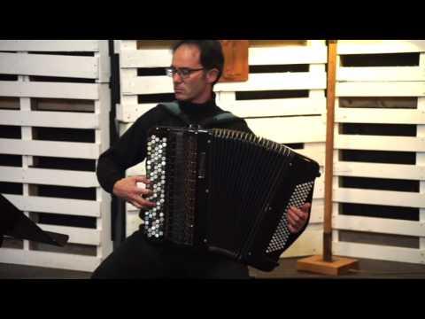 J. S. Bach. Preludio La m. BWV 543. Fernando Fraga. Acordeón