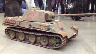 ИгроМир 2012. Радиоуправляемые модели танков. WoT(С 8:26 он стрельнул мне в камеру., 2012-10-06T20:09:32.000Z)