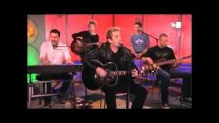 Nickelback tocando Lullaby en VH1