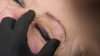 DEMONSTRATION : CORRECTION D'UN EYE LINER EN MAQUILLAGE PERMANENT RATE DANS LE PASSE
