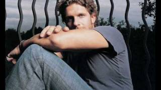Billy Currington-Must be doin somethin right