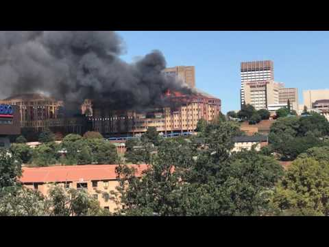 Braamfontein, Johannesburg building on fire 18 April 2017