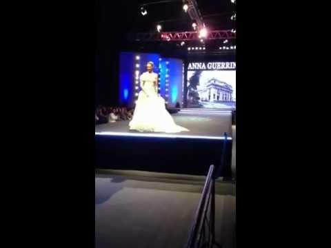Sfilata abiti da sposa alta moda atelier Anna Guerrini - YouTube 4dc4c1963fe