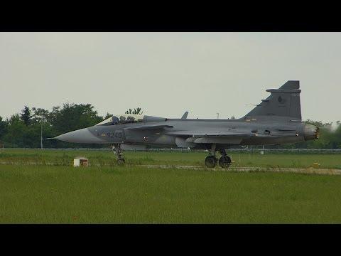 Fighter Saab Jas-39 Gripen - Full Display - Air Show ILA 2014