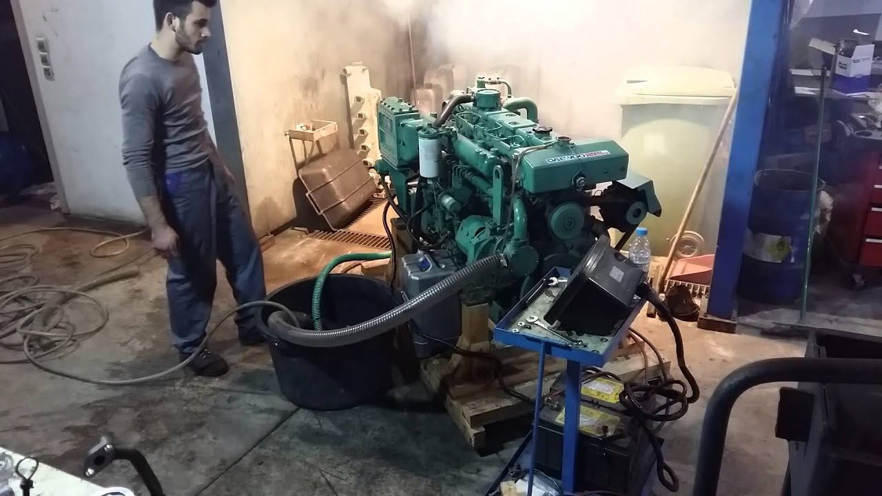 Daewoo marine engine L086TIL 360PS 2500RPM - YouTube