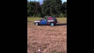 Hippie Shake Party 2012 - Gunter D in de botsauto