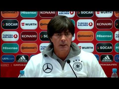 DFB PK vor dem Aserbaidschan Spiel - Sami Khedira & Joachim Löw 25/03/17