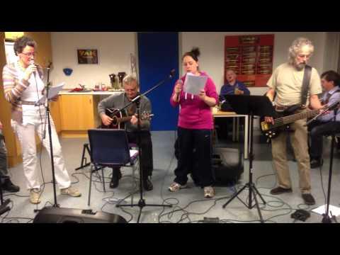 VAM musikdating for voksne, her med Hallelujah