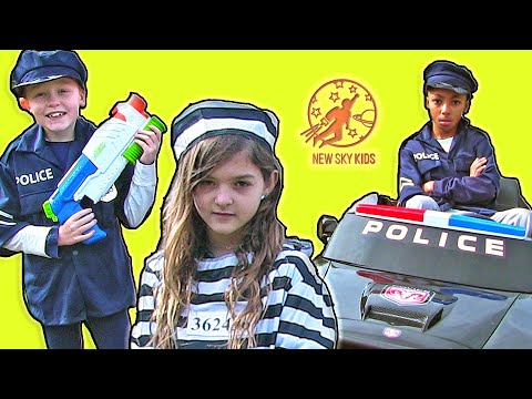 Little Heroes - Training Day Surprise with the Cops, the Police Car and the Nerf Gun