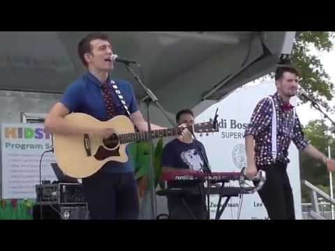 Twist and Shout  Tim and the Space Cadets  Tim Kubart  Kidstock 2016